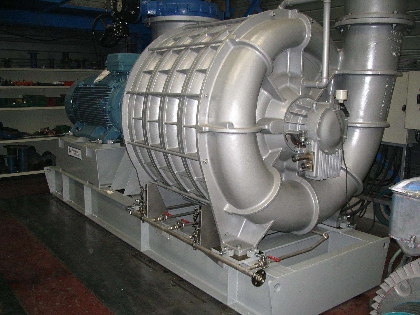 Multi-stage centrifugal blower